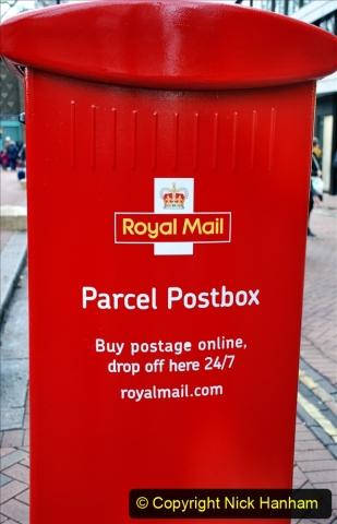 2019-12-16 London. (161) Royal Mail new parcel box. 161