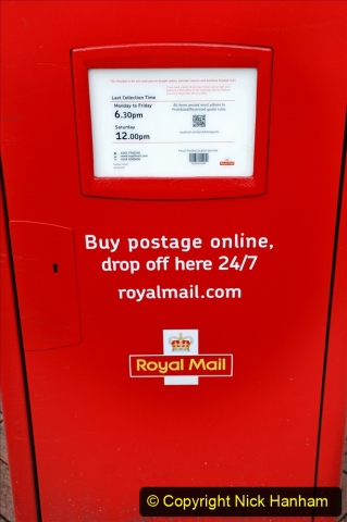 2019-12-16 London. (162) Royal Mail new parcel box. 162