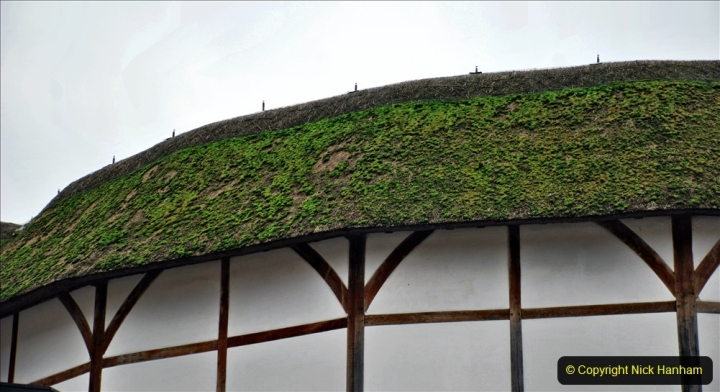 2019-12-16 London. (80) Thr Globe Theatre tour and note the ONLY thatched roof in Central London. 080