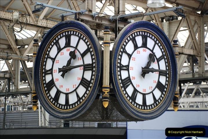 2019-04-30 London Waterloo. (13) 224