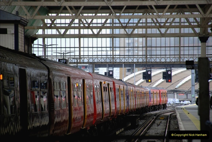2019-04-30 London Waterloo. (19) 230