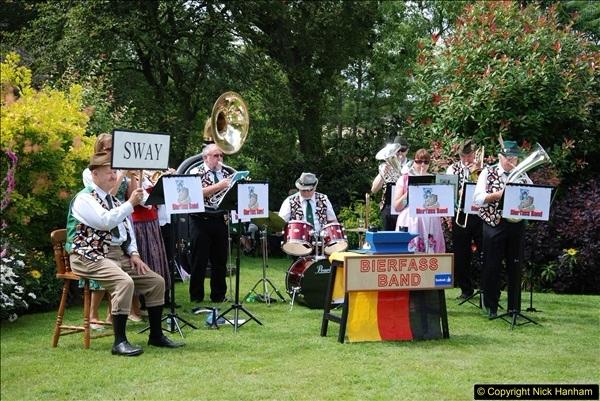 2015-08-09 Open Garden in aid of the Dorset Cancer Centre Holt, Wimborne, Dorset. (31)047