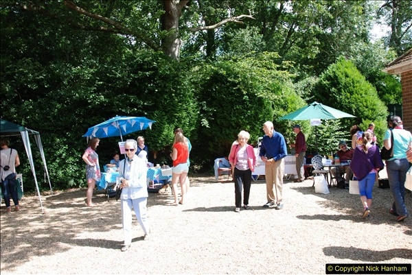 2015-08-09 Open Garden in aid of the Dorset Cancer Centre Holt, Wimborne, Dorset. (56)072