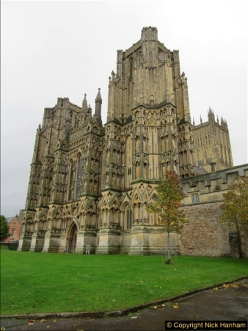 2016-11-17 Wells Cathedral and the Bishops Palace.  (64)229