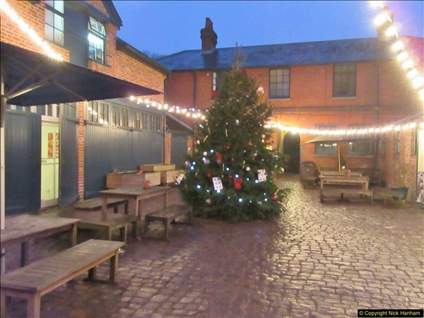 2017-12-02 Hughenden Manor Twilight Walk.  (39)350