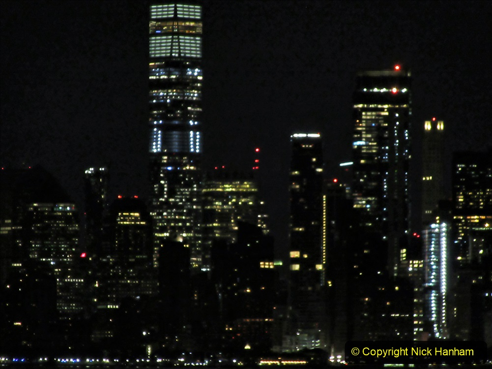 2019-11-10 New York. (11) New York arrival on Queen Mary. 011