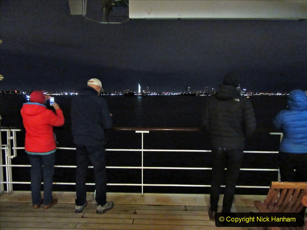 2019-11-10 New York. (14) New York arrival on Queen Mary. 014