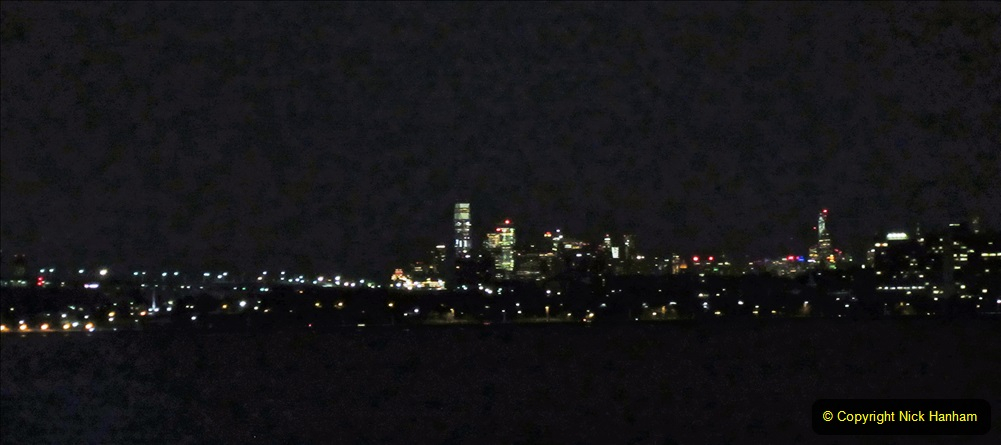 2019-11-10 New York. (2) New York arrival on Queen Mary. 002