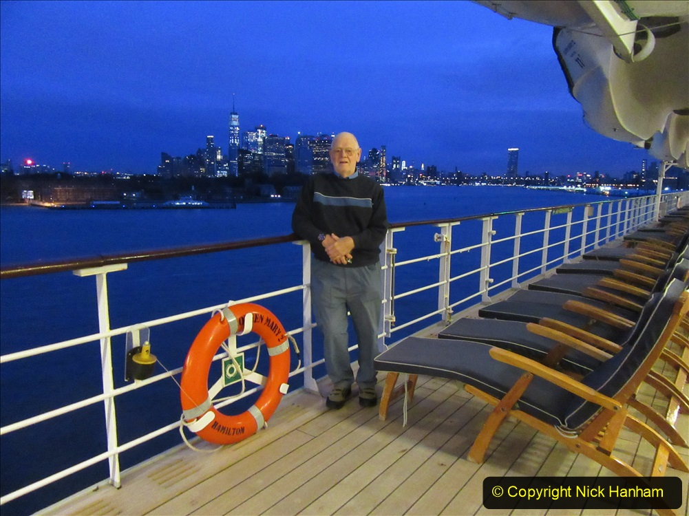 2019-11-10 New York. (25) New York arrival on Queen Mary. 025