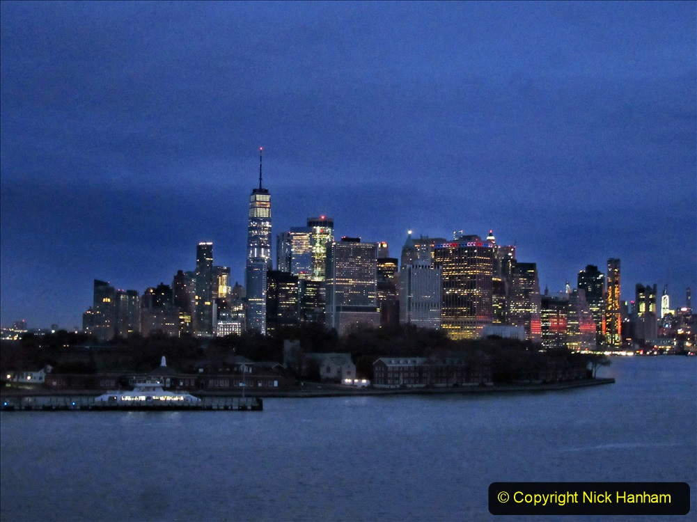 2019-11-10 New York. (28) New York arrival on Queen Mary. 028