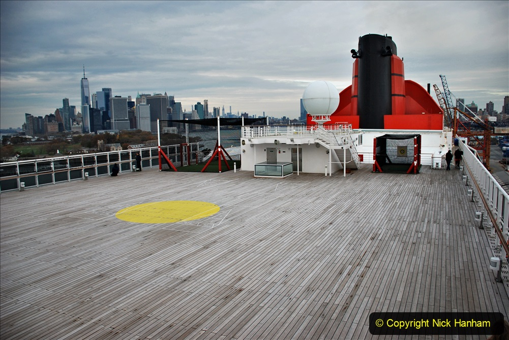2019-11-10 New York. (332) Queen Mary and views of New York. 332