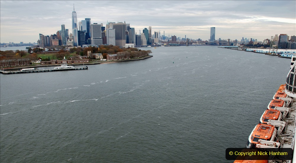 2019-11-10 New York. (352) Queen Mary and views of New York. 352