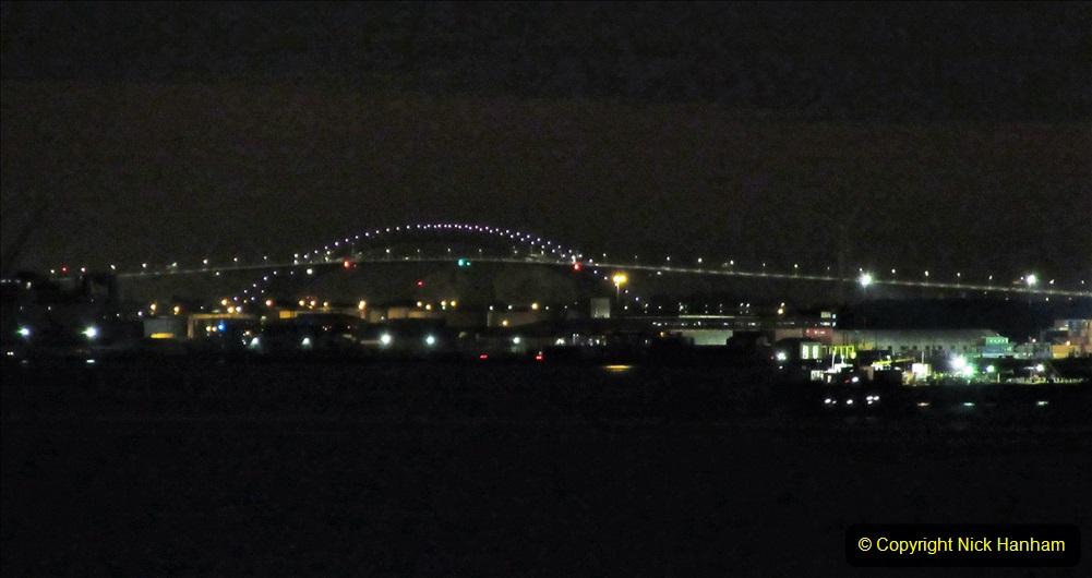 2019-11-10 New York. (416) Manhatten. Cruise ship leaving the harbour. 411