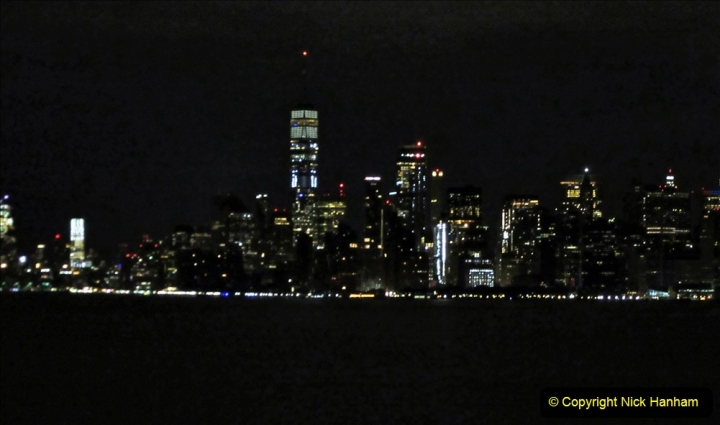 2019-11-10 New York. (10) New York arrival on Queen Mary. 010