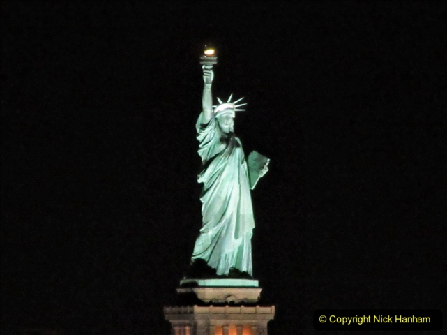 2019-11-10 New York. (12) New York arrival on Queen Mary. 012