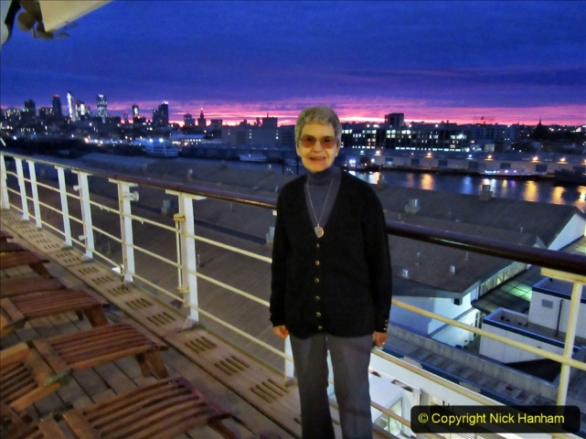 2019-11-10 New York. (24) New York arrival on Queen Mary. 024