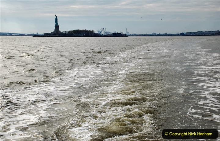 2019-11-10 New York. (300) Views on our way back to the Battery. 300