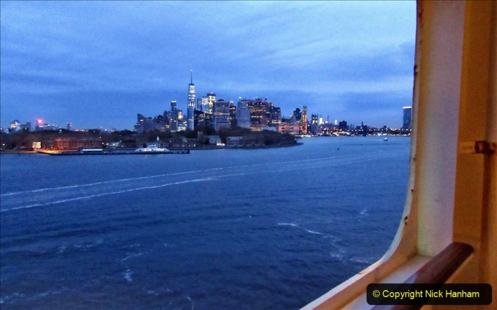 2019-11-10 New York. (31) New York arrival on Queen Mary. 031