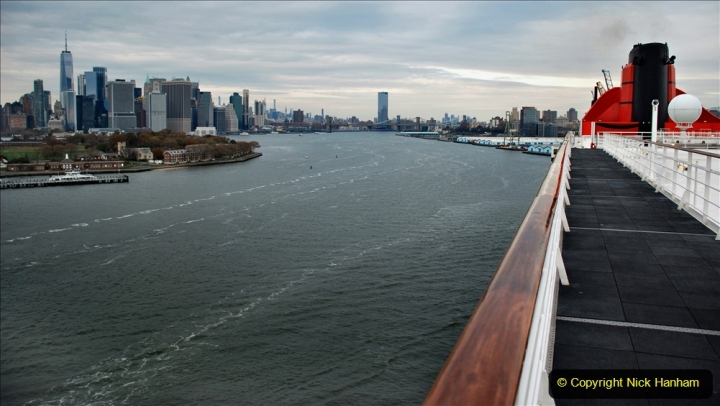 2019-11-10 New York. (353) Queen Mary and views of New York. 353