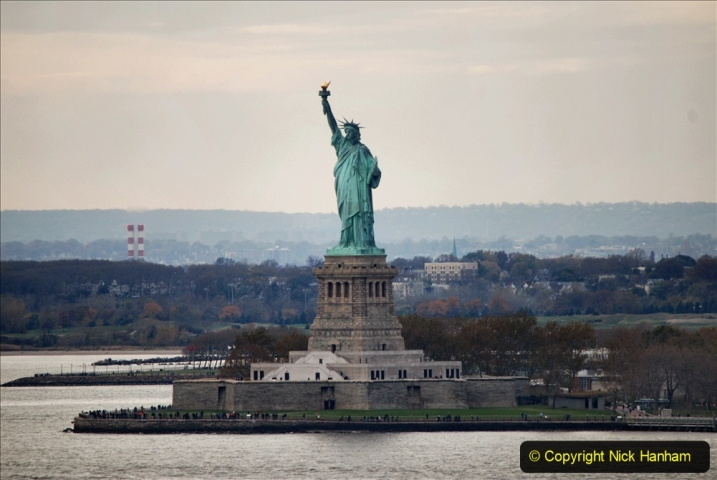 2019-11-10 New York. (373) Queen Mary and views of New York. 373