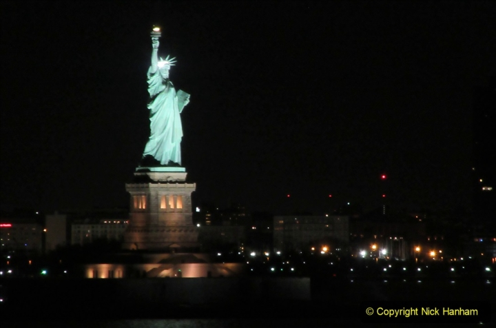 2019-11-10 New York. (9) New York arrival on Queen Mary. 009