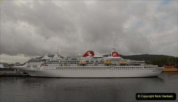 2012-05-15 Norway Cruise. Bergen.  (18)122