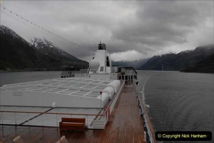 2012-05-18 Norway Cruise. Eidfjord.  (24)571
