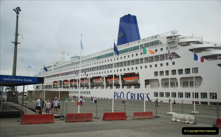 2019 June 28 to 05 July P&O MV Oriana France, Spain and Guernsey. (33) La Rochelle, France. Shuttle to town. 033