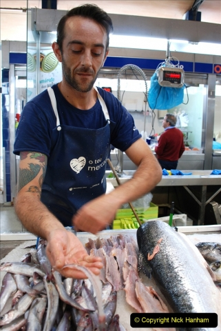 2019 June 28 to 05 July P&P MV Orian France, Spain and Guernsey. (217) Ferrol, Spain. The fish market. Gutting a fish in a few seconds. 217