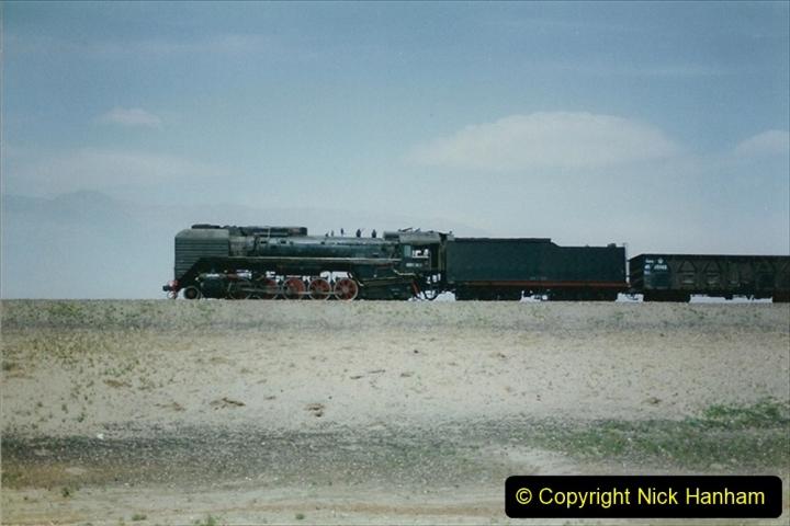 Pakistan and China 1996 June. (281) Linesiding outside Shizuishan. 281