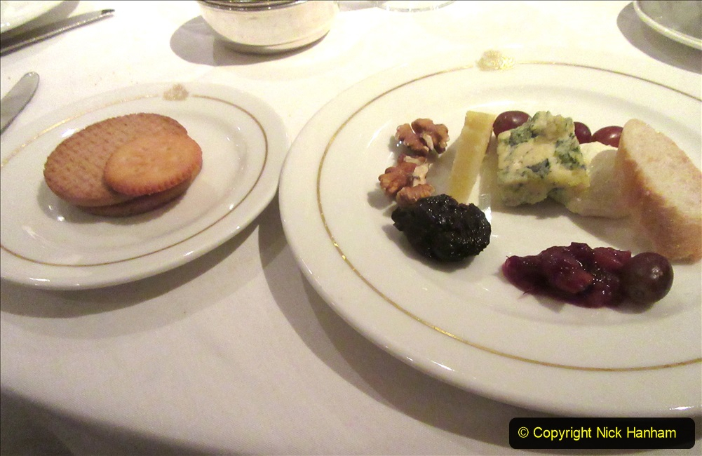 2019_11_03 to 17 Cunard's Queen Mary New York to Southampton @ first Literature Festival at Sea.  (125) Our last formal evening. 125