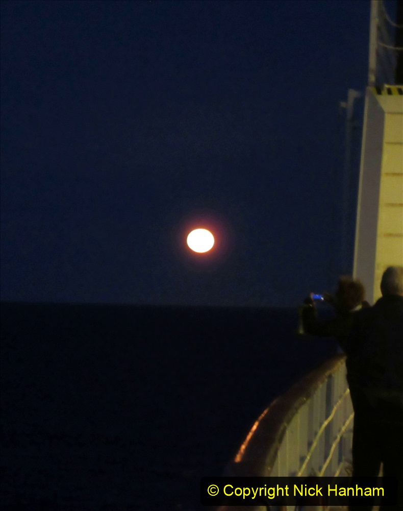 2019_11_03 to 17 Cunard's Queen Mary New York to Southampton @ first Literature Festival at Sea.  (29) Moon Rise. 029