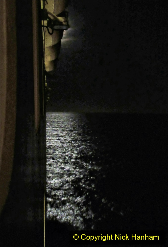 2019_11_03 to 17 Cunard's Queen Mary New York to Southampton @ first Literature Festival at Sea.  (30) An Atlantic Moon. 030