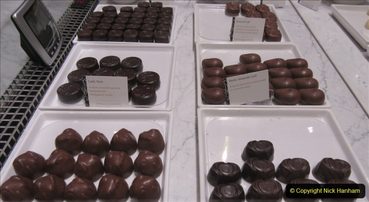 2019_11_03 to 17 Cunard's Queen Mary New York to Southampton @ first Literature Festival at Sea.  (101) Godiva Chocolates. 101