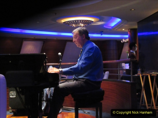 2019-11-03 to 17 Cunard's Queen Mary Southampton to New York. (258) Evening Entertainment in the Commodore Club. 258