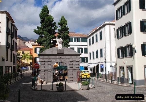 2012-11-08 Funchal, Madeira.  (226)351
