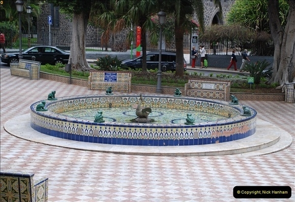 2012-11-10 Santa Cruz de Tenerife, Tenerife, Canary Islands.  (88)447