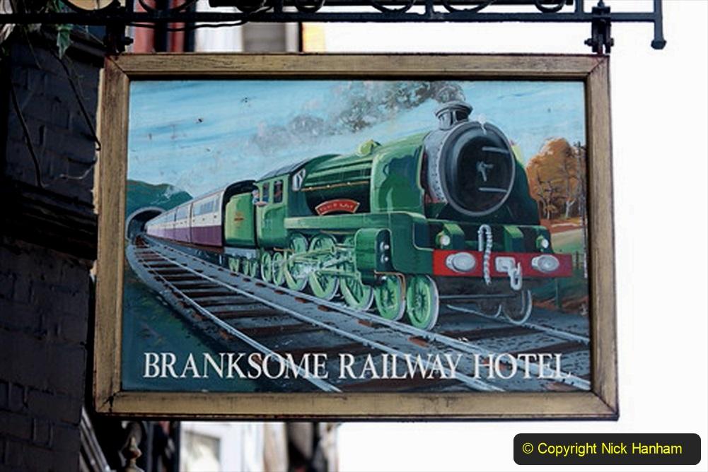 Railway Food. (204) Pub Signs. 204