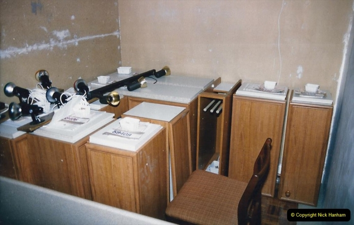 Retrospective  Summer 1985 Your Host builds a house extension. (57) Kitchen cupboards assembly and erection. 57
