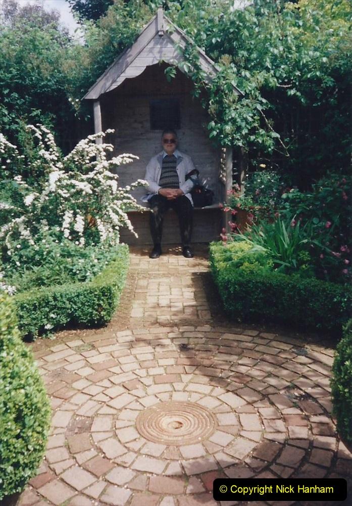 1999 June, Stamford - Burghley - Barnsdale. (106) Number 34 Gentleman's Cottage Garden. 106