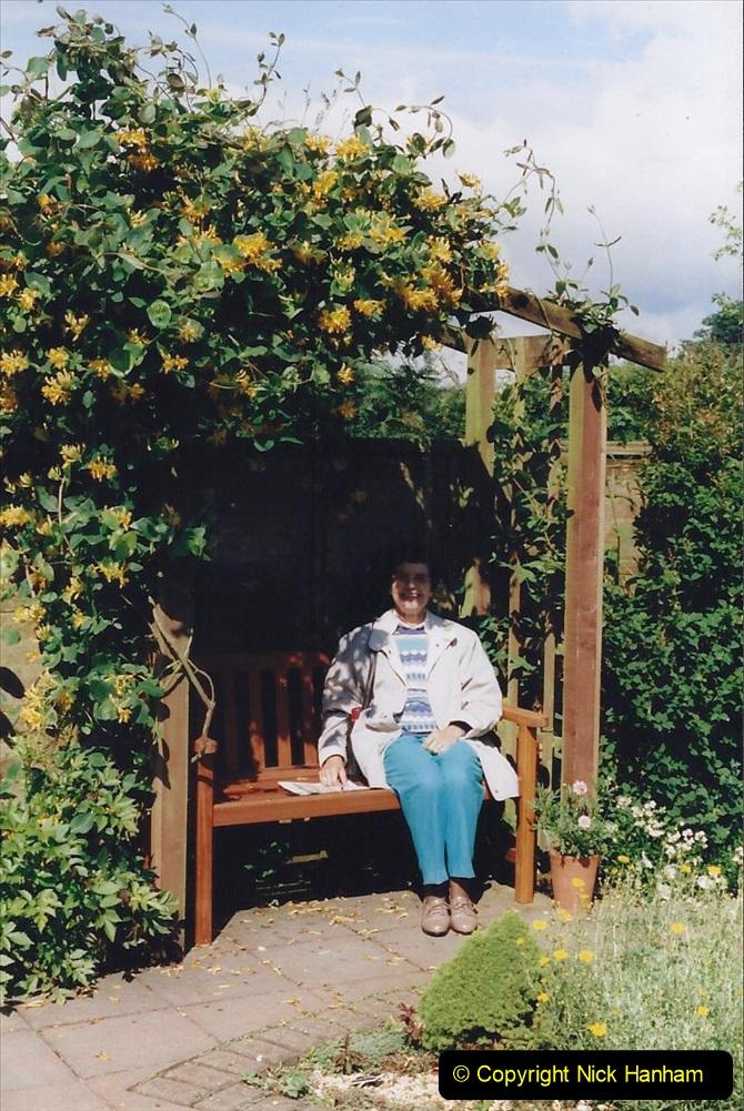 1999 June, Stamford - Burghley - Barnsdale. (55) Number 10 Garden. 055