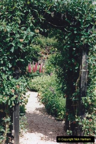 1999 June, Stamford - Burghley - Barnsdale. (113) Number 33 Artisan's Garden. 113