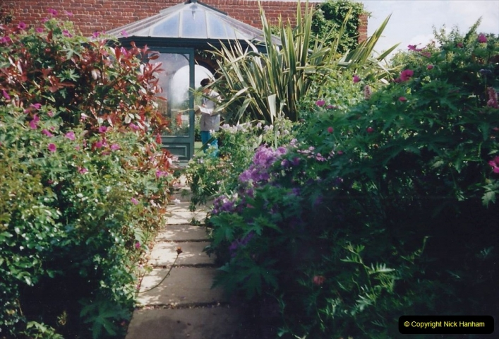 1999 June, Stamford - Burghley - Barnsdale. (66) Number 6 Courtyard Gardens. 066