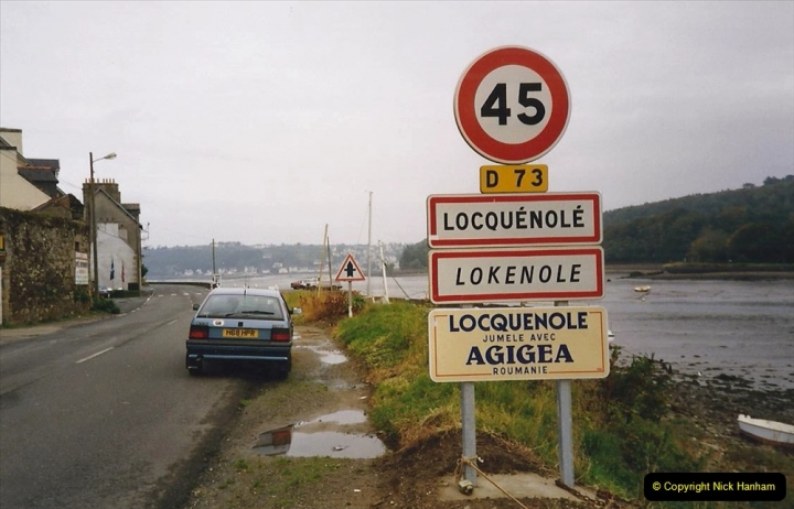 1991 Morlaix Area. (25) Locquenole. 25