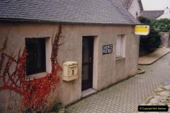 1991 Morlaix Area. (36) PTT at Guimiliau.36