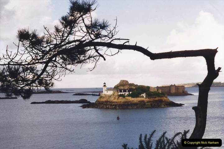 1994 France - October. (71) Pointe De Pen Al Lann. 71