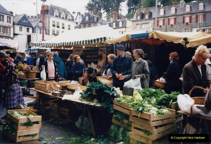 1994 France - October. (85) Morlaix and market. 85