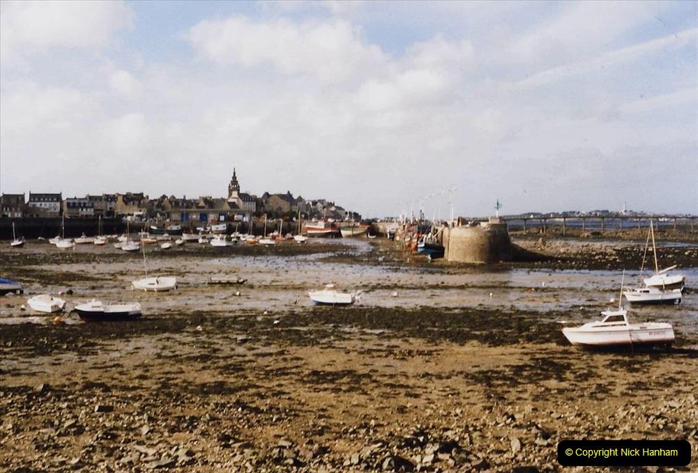 1995 France October. (42) Roscoff. 42