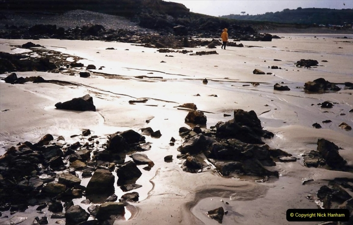 1995 France October. (37) The beach at Plougasnou.37