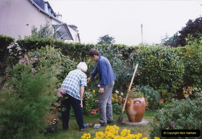 1998 Plymouth & France (A short visit). (14) Our friends near Morlaix. 14